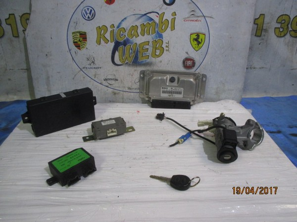 dr1 1.3 b kit chiavi bosch 0261b08388 con quadro strumenti