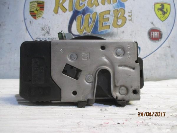 opel meriva 2006 serratura anteriore dx