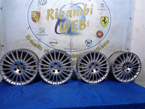 ALFA ROMEO ACCESSORI  ALFA ROMEO 159 CERCHI IN LEGA R17 POLLICI 7.5 (GRAFFIATI) *