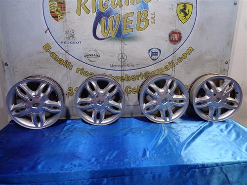 RENAULT ACCESSORI  RENAULT CLIO '06 CERCHI IN LEGA R15 POLLICI 6*